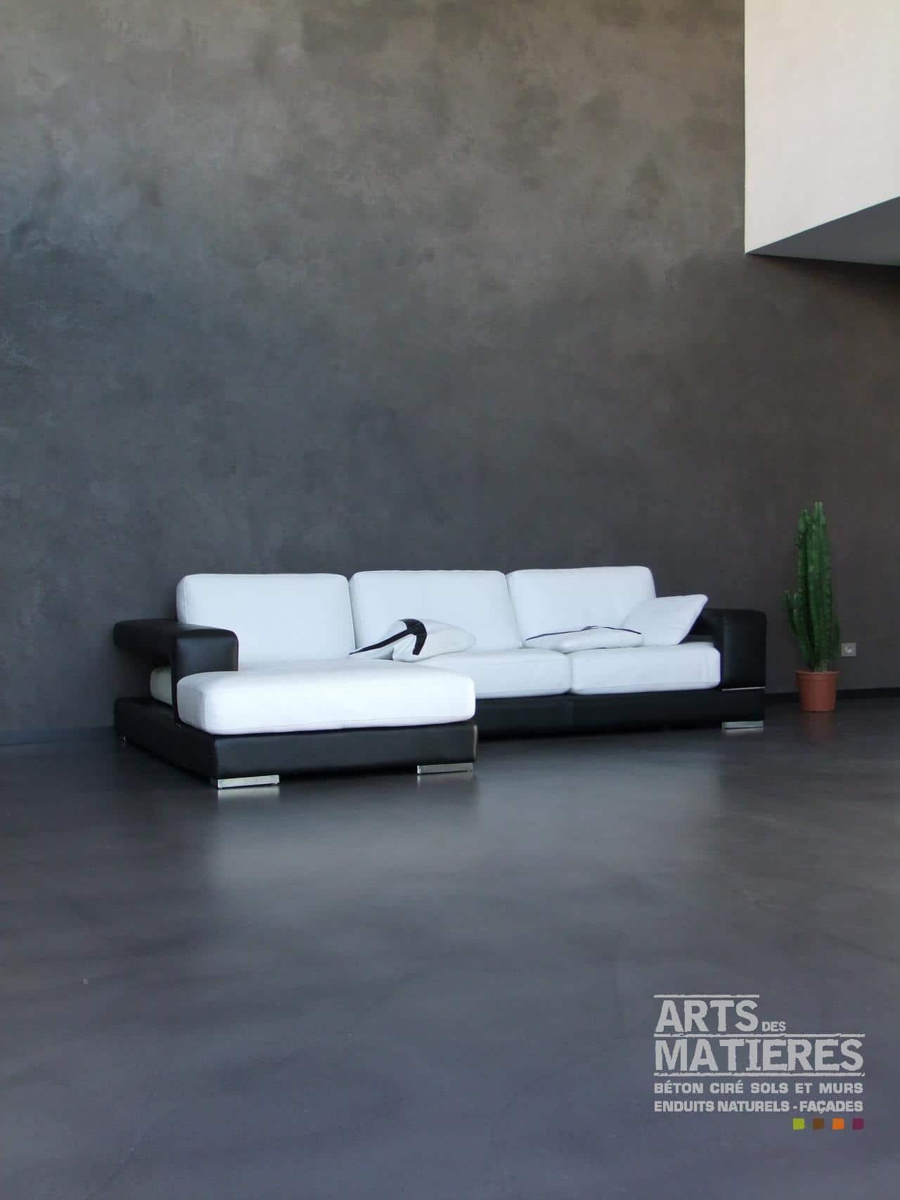Effet b ton brut ou effet pierre b ton cir enduits for Mur beton cire salon