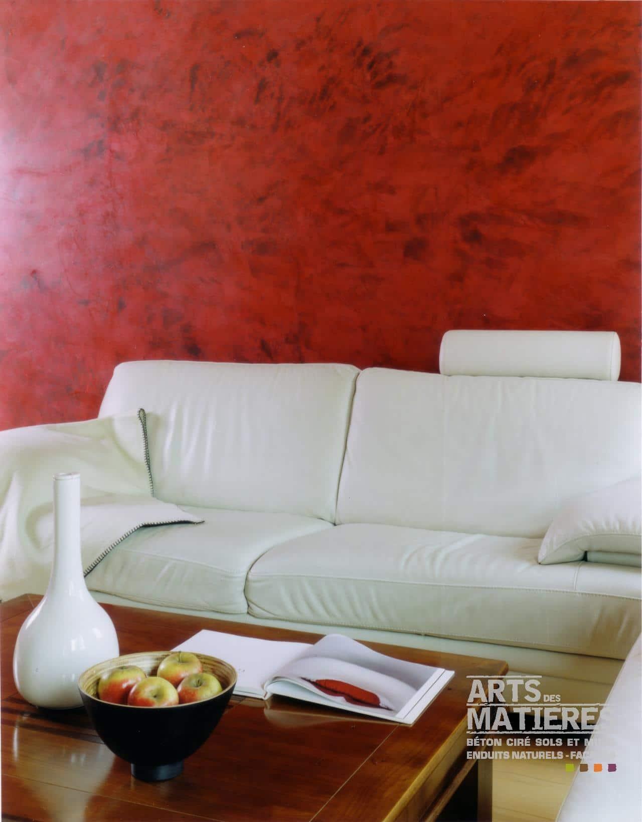 Stucco v nitien marmorino chaux ferr e b ton cir Mur rouge salon